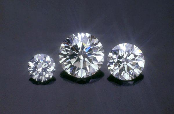 ダイヤモンドの輝きは数値化できない