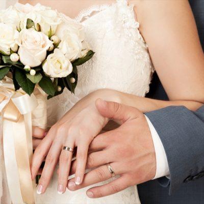 ふたりの絆を表す大切な結婚指輪(マリッジリング)は、種類の豊富なBROOCH(ブローチ)で選ぶのがいおすすめ