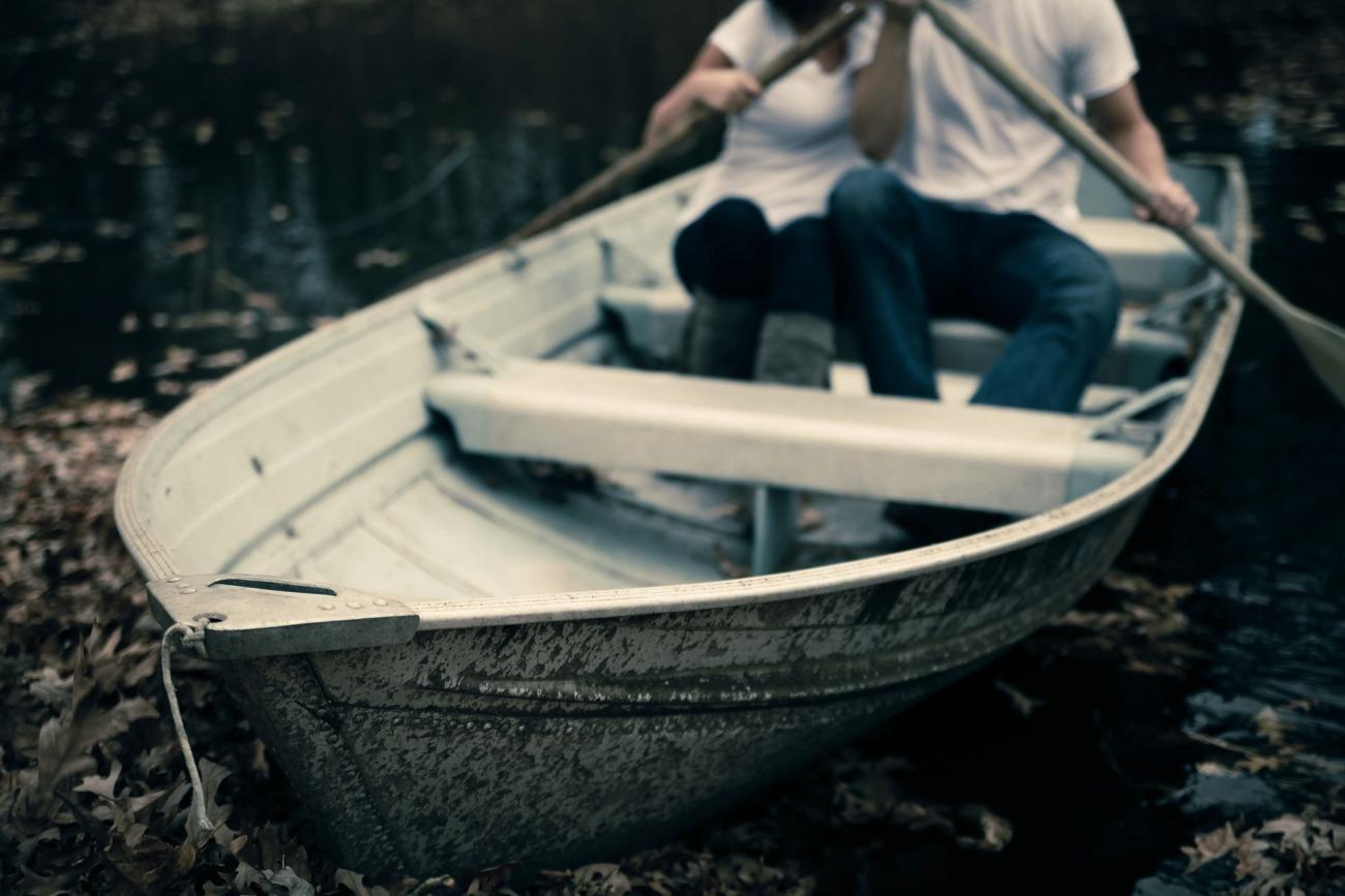 新潟で人気の結婚指輪と婚約指輪 BROOCH にわか(ニワカ)  カッコいいマリッジリング笹船(ささぶね)シンプルで普遍的な男女同一デザインが魅力、飾らない日常とともに穏やかな日々を想う