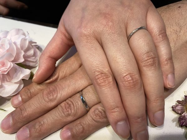 ひねりのあるデザインの結婚指輪、infinityloveのpafume