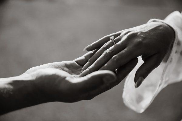 新潟で人気の結婚指輪と婚約指輪 BROOCH 俄(にわか) | オシャレジュエリーNIWAKAが贈る春の桜、ダイヤモンドエンゲージリング