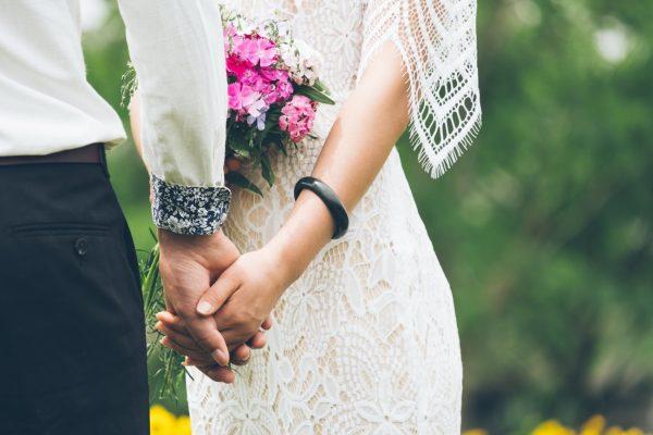 新潟で人気の結婚指輪と婚約指輪を探すなら新潟市中央区紫竹山のジュエリーショップブローチへ