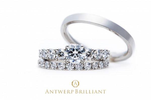 新潟の結婚指輪・婚約指輪 - ダイアモンドが取り巻くエタニティリングでひとつ上の上質花嫁を目指す