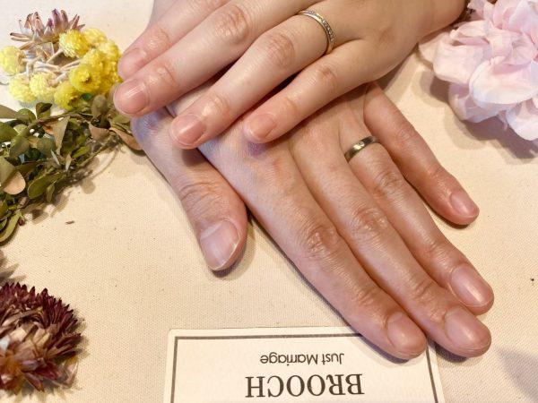 木目模様があたたかみのある結婚指輪「NIWAKA」の京杢目