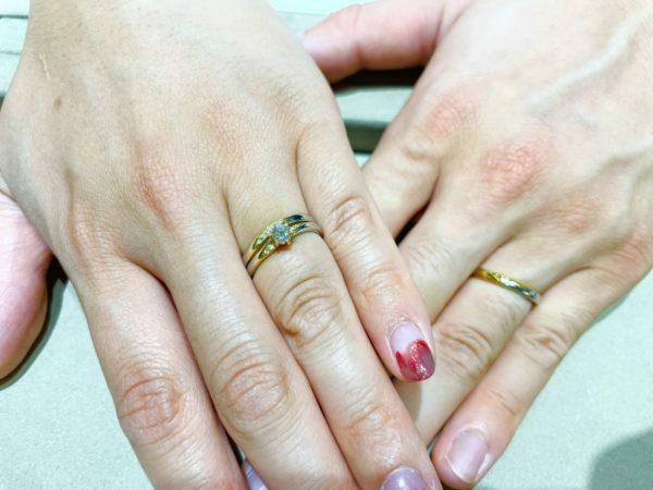 さりげない2色コンビがかわいい「RosettE」の結婚指輪