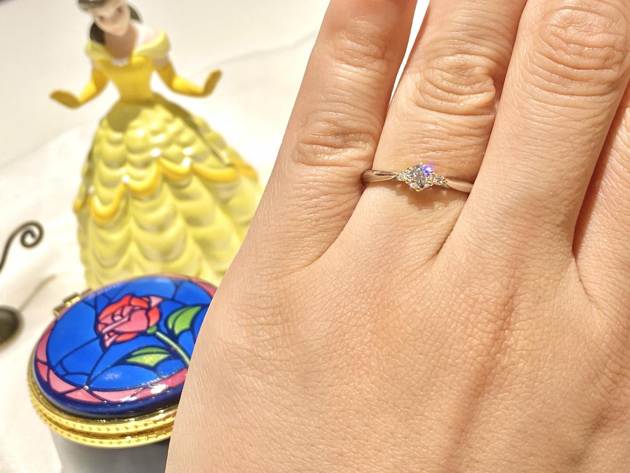 美女と野獣が好きな奥様のためにお選びになった婚約指輪