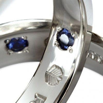 マカナのリングはブルーサファイヤがプレゼント
