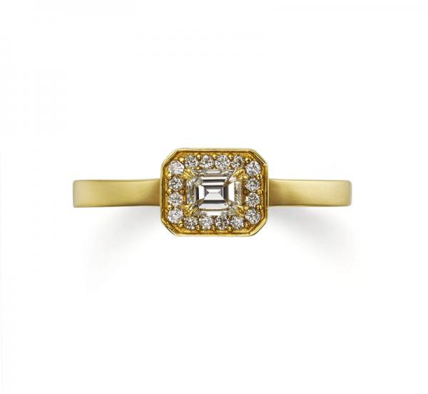 アンティークな婚約指輪