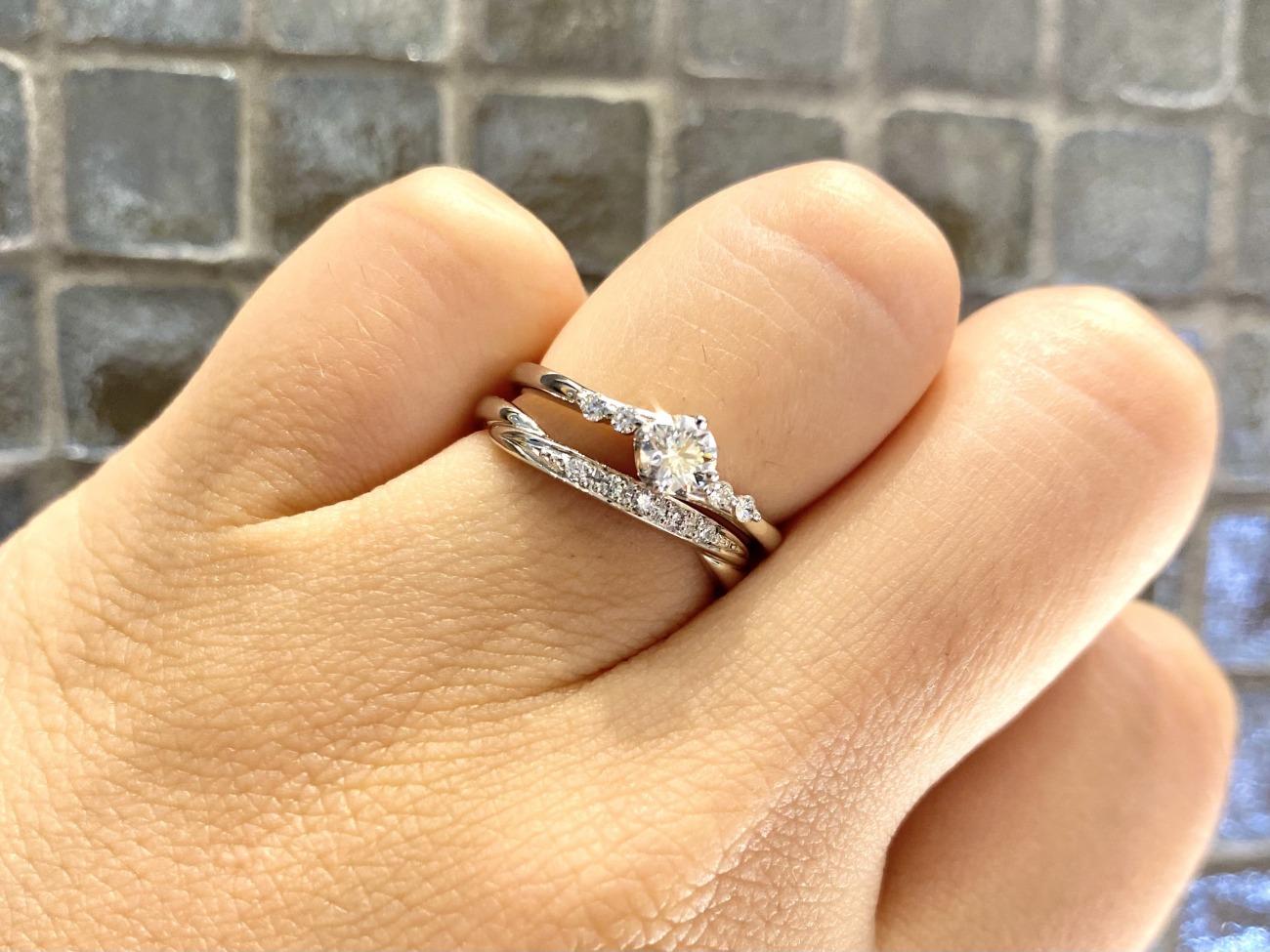 結婚指輪と婚約指輪はセットリングでお選びいただきました!