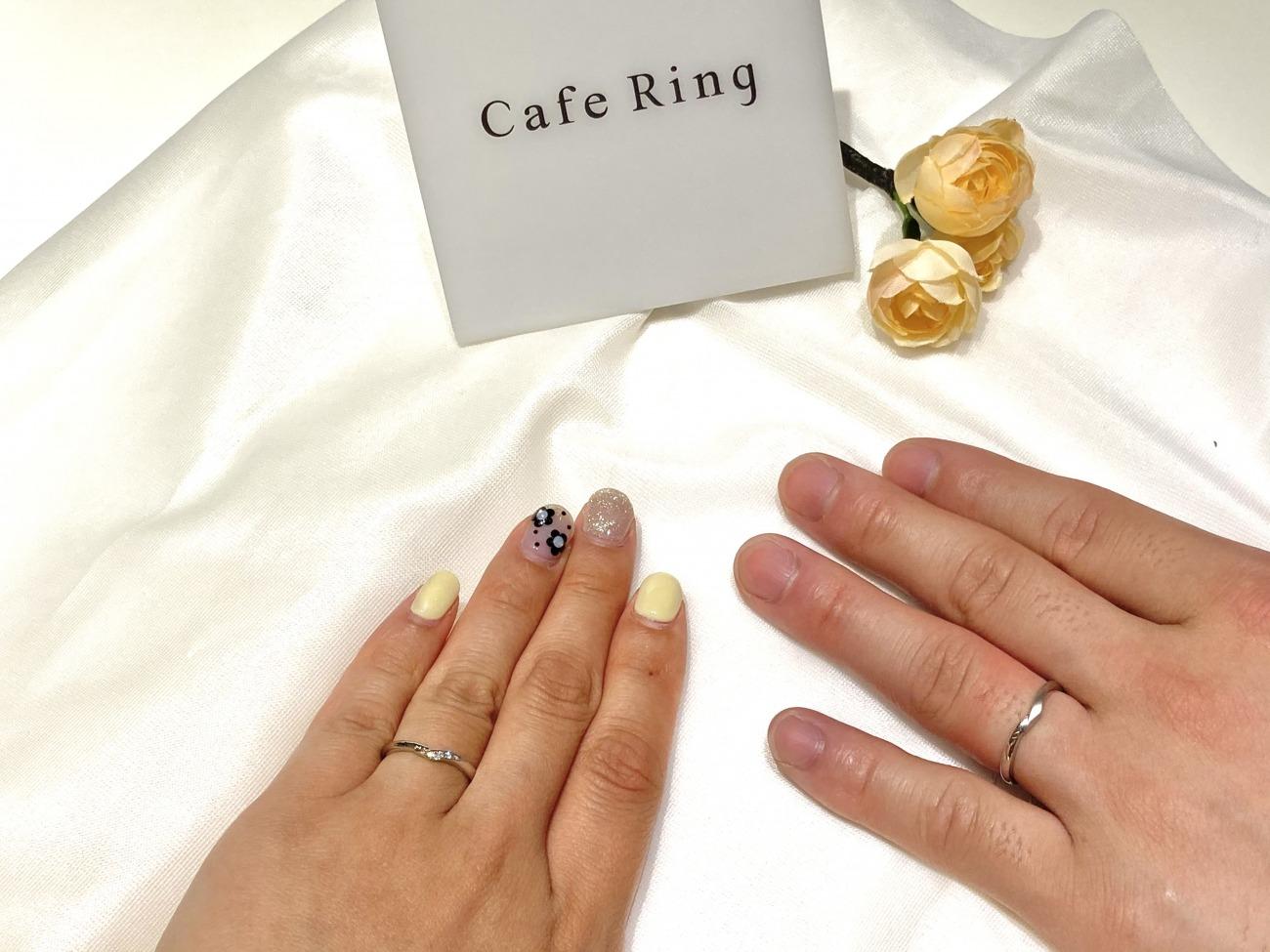 細身のスッキリとした結婚指輪カフェリングのシェリ