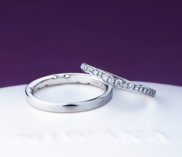 俄のダイヤモンドが綺麗な指輪